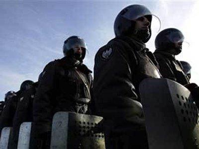 В Москве прошли обыски по поставке криминальных полицейских шлемов