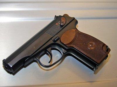 Дело адвоката, продавшего пистолет Макарова внедренному сотруднику ФСБ, дошло до суда