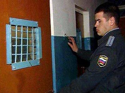Студентка, за которой двое суток наблюдали в ИВС надзиратели-мужчины, отсудила 17 000 руб.