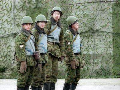 """Солдаты, написавшие на спинах 16 сослуживцев """"Дагестан"""" и """"Азербайджан"""", отделались штрафом 202000 руб. на двоих"""