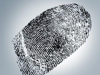 Для получения загранпаспорта придется сдавать отпечатки пальцев