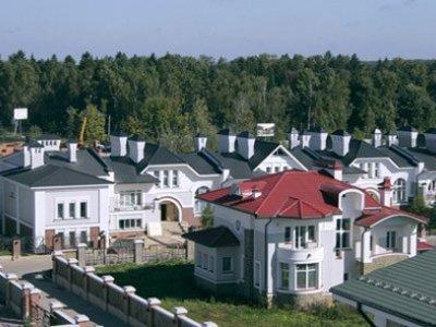 Осужден москвич, поручивший полицейскому взорвать бывшую супругу, живущую на Рублевке