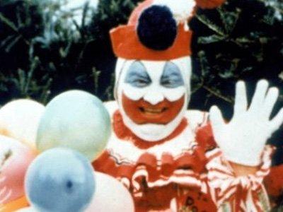 Жестокий убийца в костюме клоуна. Почему его долго искали