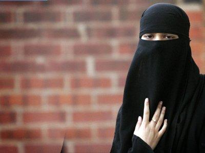 В Канаде госслужащим и бюджетникам могут запретить носить кипы и тюрбаны