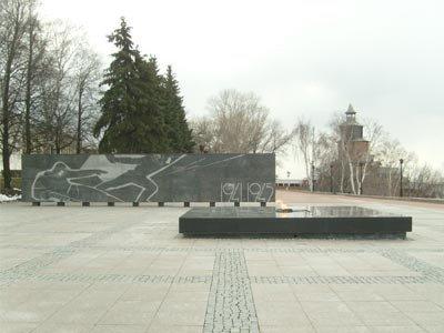 Студенту, осквернившему воинский мемориал, суд запретил выходить в свет