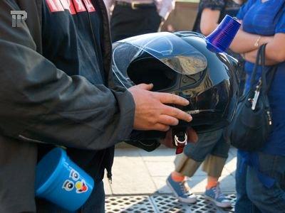 В Москве проходит запрещенный автопробег против роста цен на бензин