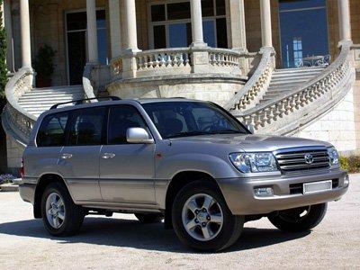 """Покупатель Toyota Land Cruiser отсудил у автосалона за """"прожорливую"""" сигнализацию 83000 руб."""