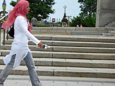 Студентка, отчисленная из вуза за ношение хиджаба, добилась через суд восстановления и денежной компенсации