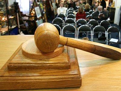 Глава отдела Росимущества осужден за многоходовую покупку джипа должника со 150-тысячной скидкой