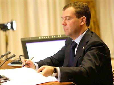 Президент РФ Дмитрий Медведев в ближайшее время внесет на рассмотрение Госдумы революциооный проект закона о либерализации уголовного законодательства, сообщил глава Минюста