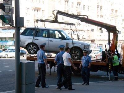 Депутаты нашли способ помирить автомобилистов с эвакуаторами