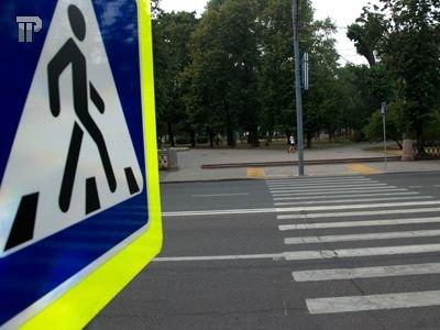 Пешеход, сбитая на переходе Skoda на скорости 40 км/ч, отсудила 20000 руб. сверх страховки