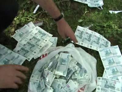 Завершено расследование дел следователей, обменявших 1,45 млн фальшивых руб. за 660000 руб. настоящих