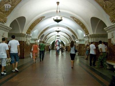 """Чиновник, отвечающий за видеокамеры московского метро, попался на """"откате"""" в 500000 руб."""