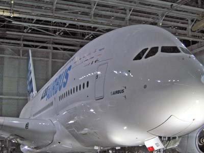 Великобритания расследует дело о коррупции при продаже самолетов Airbus