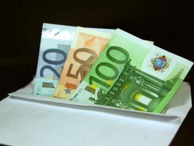 Глава аппарата думы, взявший 120000 евро за депутатское решение о приватизации, получил три года