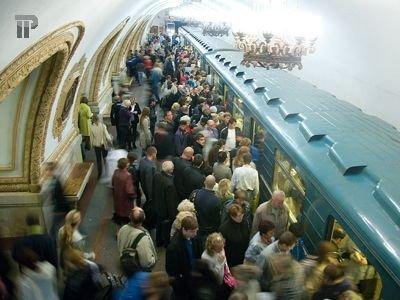 За кражи из сумок пассажиров столичного метро судят группу ветеранов МВД