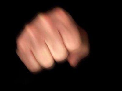 Отдана под суд сотрудница ИФНС, избившая девушку за дреды