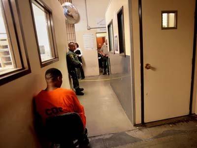 Суд США рассмотрит иск заключенных, 25 лет отсидевших в тюрьме по сфабрикованному обвинению