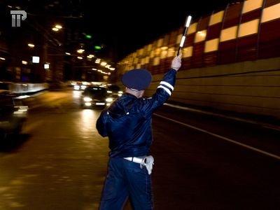 Троих инспекторов ДПС, отпустивших нарушителя, наказали после появления видео в Интернете