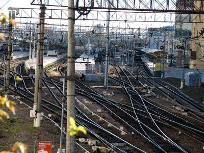 Попавший ночью под поезд нетрезвый прохожий отсудил у РЖД и их страховщика 700000 руб.