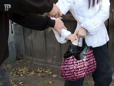 За похищенную супругу директора Череповецкого трубопрокатного завода требуют выкуп в 3 млн руб.