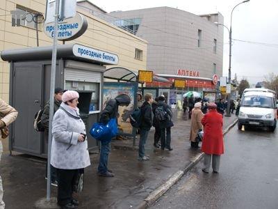 Апелляция обязала толкнувшего женщину прохожего выплатить ей 177000 руб. на импланты