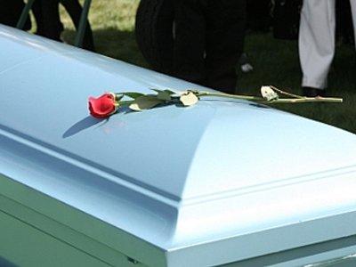 Апелляция вычла из полумиллионной компенсации вдове умершего в больнице пациента стоимость ограды