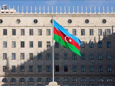 Арестованному судье из Баку предъявили обвинения во взяточничестве