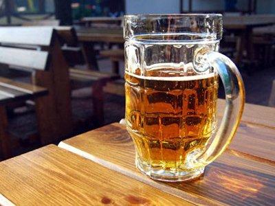 """ФАС оштрафовала """"Афишу"""" за рекламу пива в мобильном приложении"""