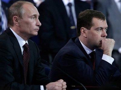 """Путин намекнул Медведеву на отставку из-за критики его идеи о возвращении силовикам права возбуждать """"налоговые"""" дела"""