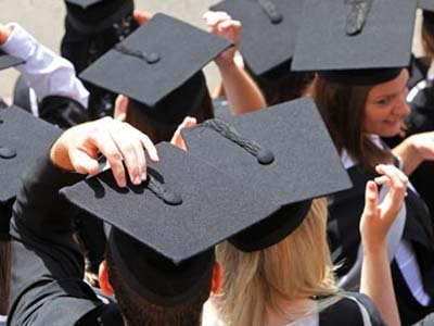 В Госдуму внесен законопроект о запрете детям чиновников учиться за рубежом