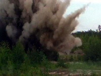 Возбуждено дело по гибели в машине при взрыве 10 человек