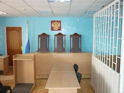 Судят заявителя, заглушавшего криками судью
