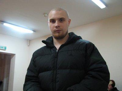 Лидер банды скинхедов, убившей правозащитника и еще 6 человек, осужден пожизненно