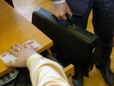 """Возбуждено дело на следователя-""""важняка"""" из СКР, попавшегося на взятке в 200000 руб."""