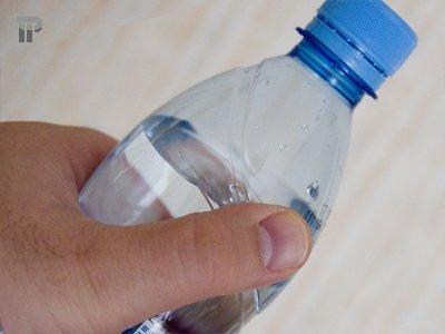 Владелец Mazda 6 отсудил 65722 руб. за падение на машину пластиковой бутылки