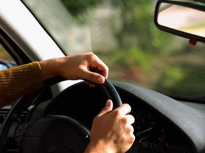 Сотрудникам ФСКН, которые будут ездить без аварий, хотят доплачивать по 9000-11000 руб. в месяц