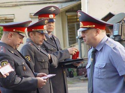 "Госдуме предложено вернуть полицейским ""губернаторские"" надбавки и квартиры"