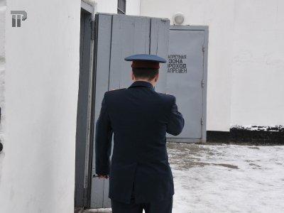 Осужден начальник СИЗО, переставивший запчасти со служебной машины на свою личную