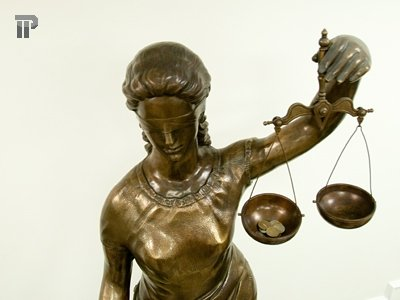 Судья признан виновным во взятке за решение по делу, которое должен был прекратить