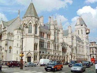 Британский суд отказался заморозить финансы разводящейся пары, узнав, что супруга взломала сейф мужа