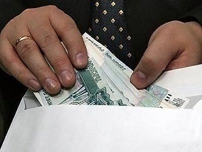 Возбуждено дело на представителя фирмы, пытавшегося подкупить прокурора 20 000 рублей