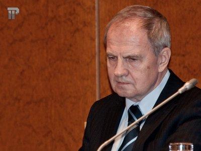 Как председатель КС Зорькин предлагает ущемить в правах гражданских активистов?