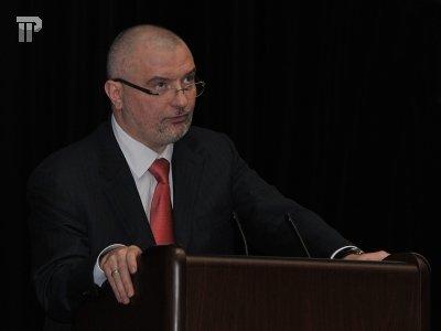 Новым главой правового комитета СФ стал 39-летний конституционалист и заводчик миниатюрных бультерьеров