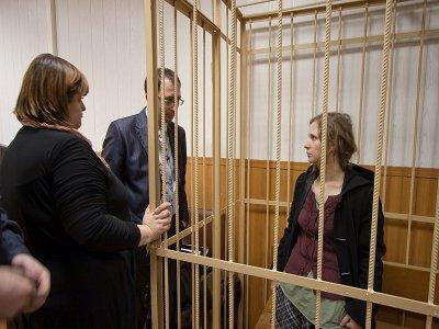 Участнице Pussy Riot Марии Алехиной, отказавшейся выйти на видеосвязь с судом, отказано в УДО