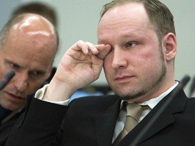 Андерс Брейвик, убивший 76 человек, обвинил власти Норвегии в нарушении его прав