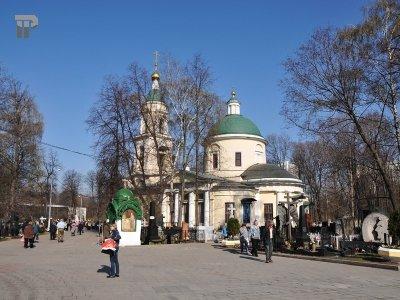 Возбуждено дело об афере на 14 млн руб. при реконструкции знаменитого Ваганьковского кладбища