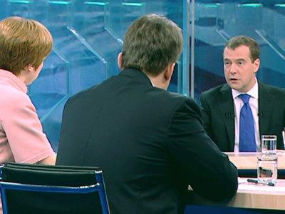 """""""Судье нужно разорвать собственные представления с представлениями следствия или защиты"""" - Медведев о судебной реформе"""