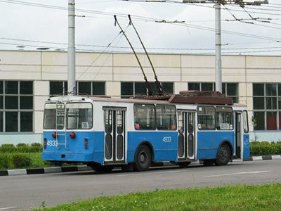 """Саратовский суд прекратил банкротство троллейбусного завода """"Тролза"""""""